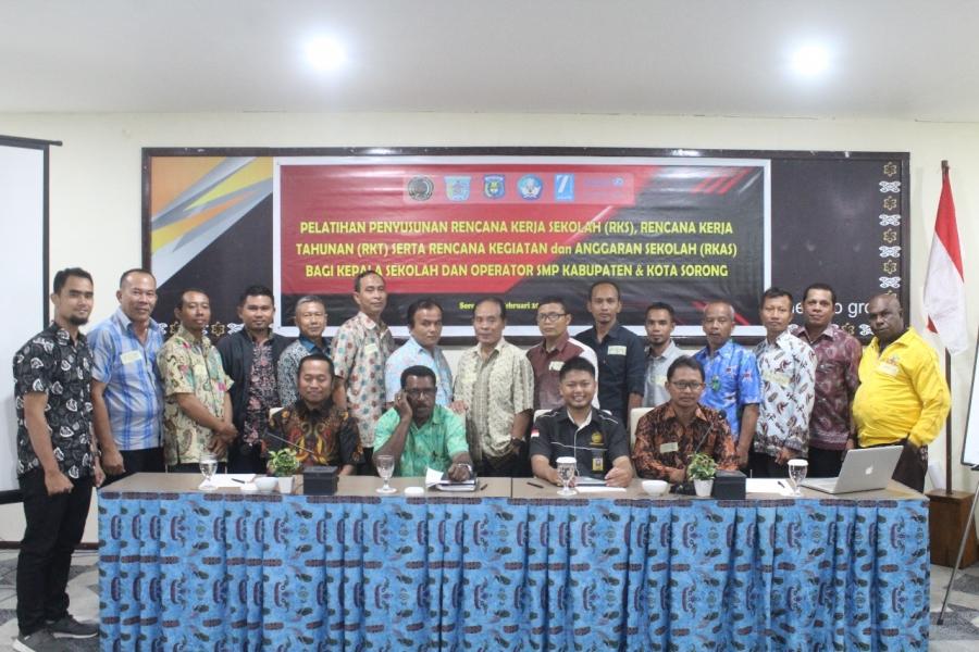 Kemitraan Unimuda - Unicef Gelar Pelatihan RKS, RKAS dan RKAT bagi Kepala Sekolah dan Operator Dapodik serta Pengawas SMP Kota dan Kabupaten Sorong